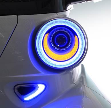 ex4U大燈整合日行燈設計,造型相當圓潤可愛,亮眼有神!