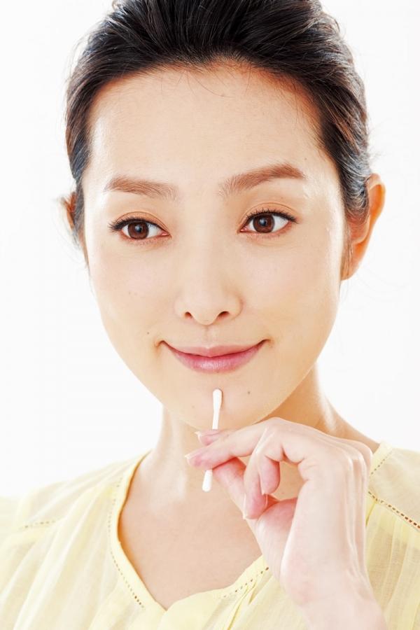 日本美肌最夯話題 「棉花棒按摩」能讓你更水?!