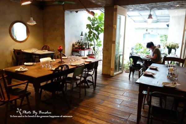 小饭店复古装修图