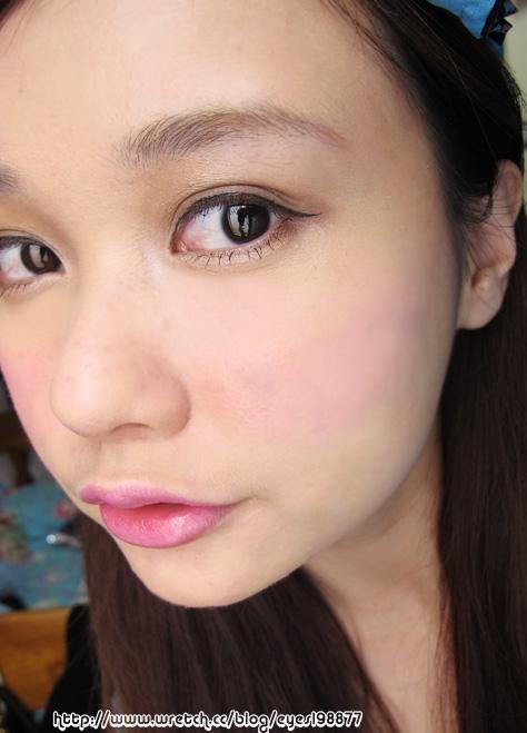 这就献给大家罗~*  甜美日系-简易版糖果洋娃娃彩妆教学 http://www.
