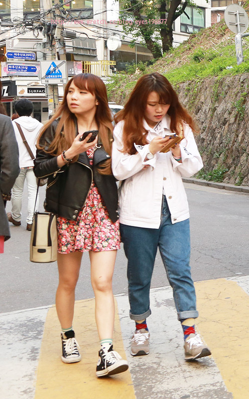 分享korea街头直击,韩国学生妹穿搭.