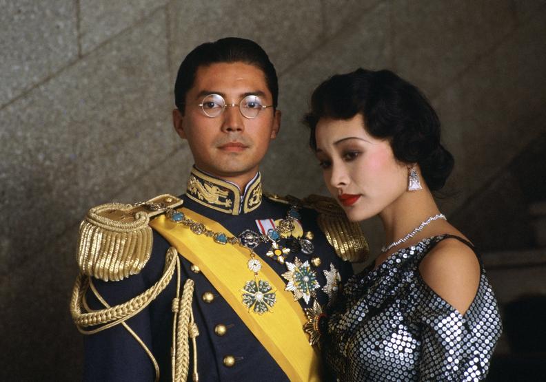溥儀的一生中充滿了傳奇的戲劇性。右為陳冲。