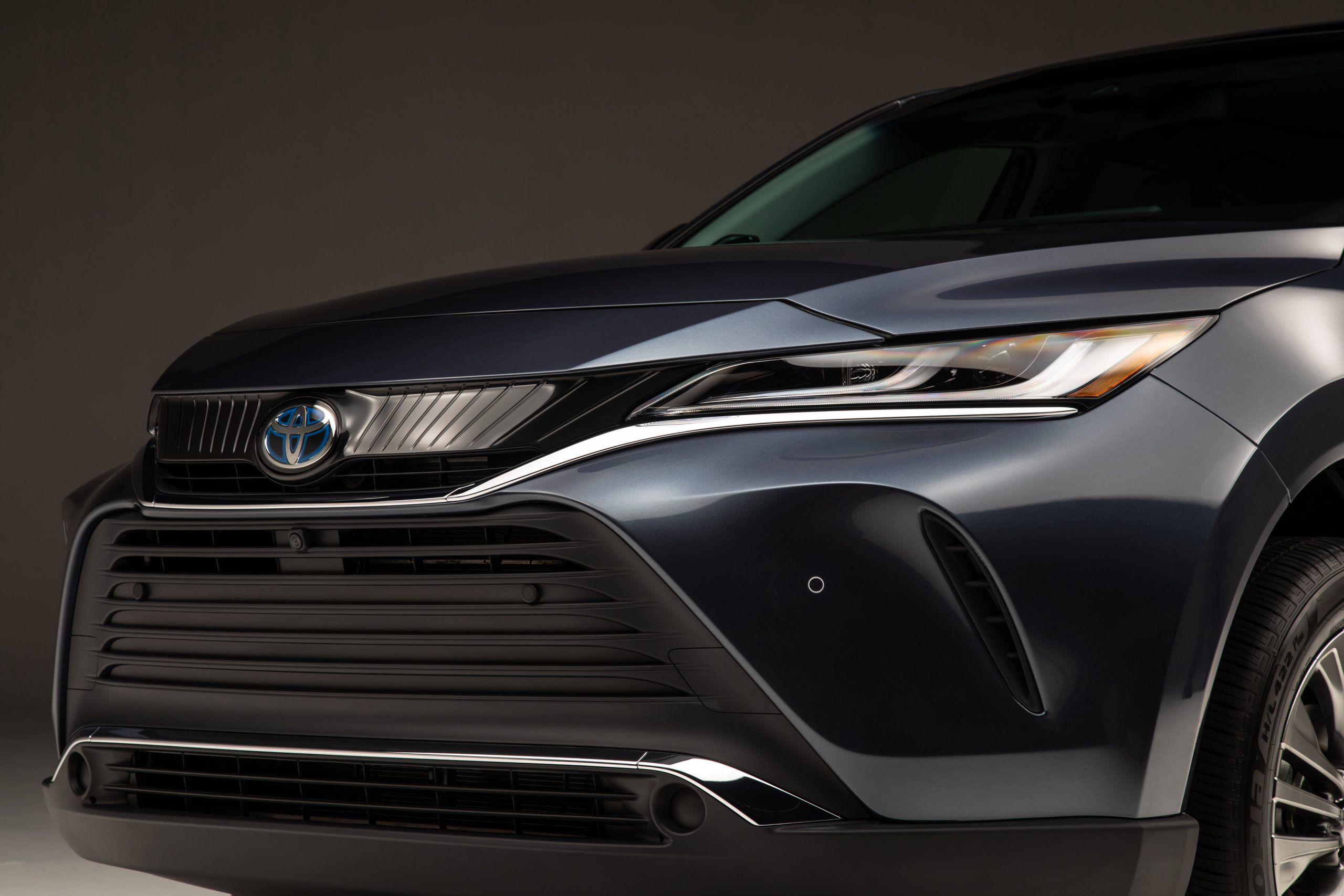 2021-Toyota-Venza_Exterior_011-scaled.jpg