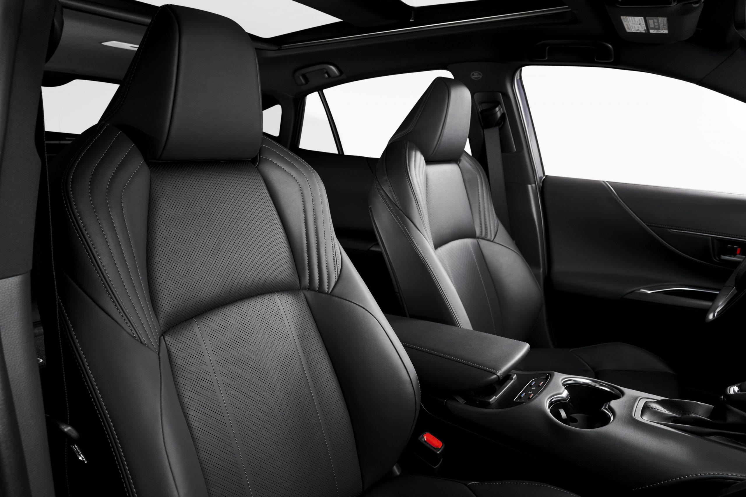 2021-Toyota-Venza_Interior_009-scaled.jpg
