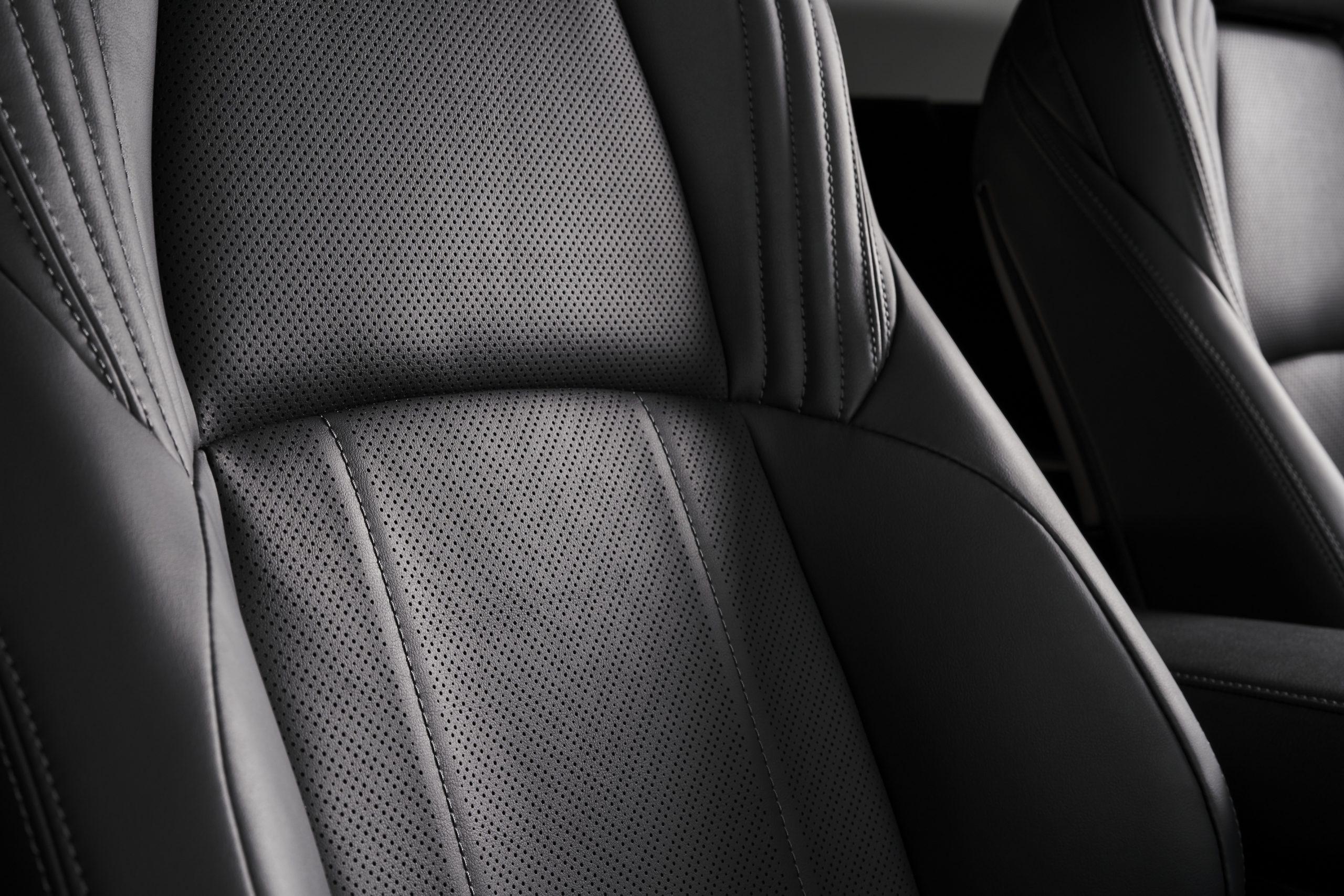 2021-Toyota-Venza_Interior_008-scaled.jpg