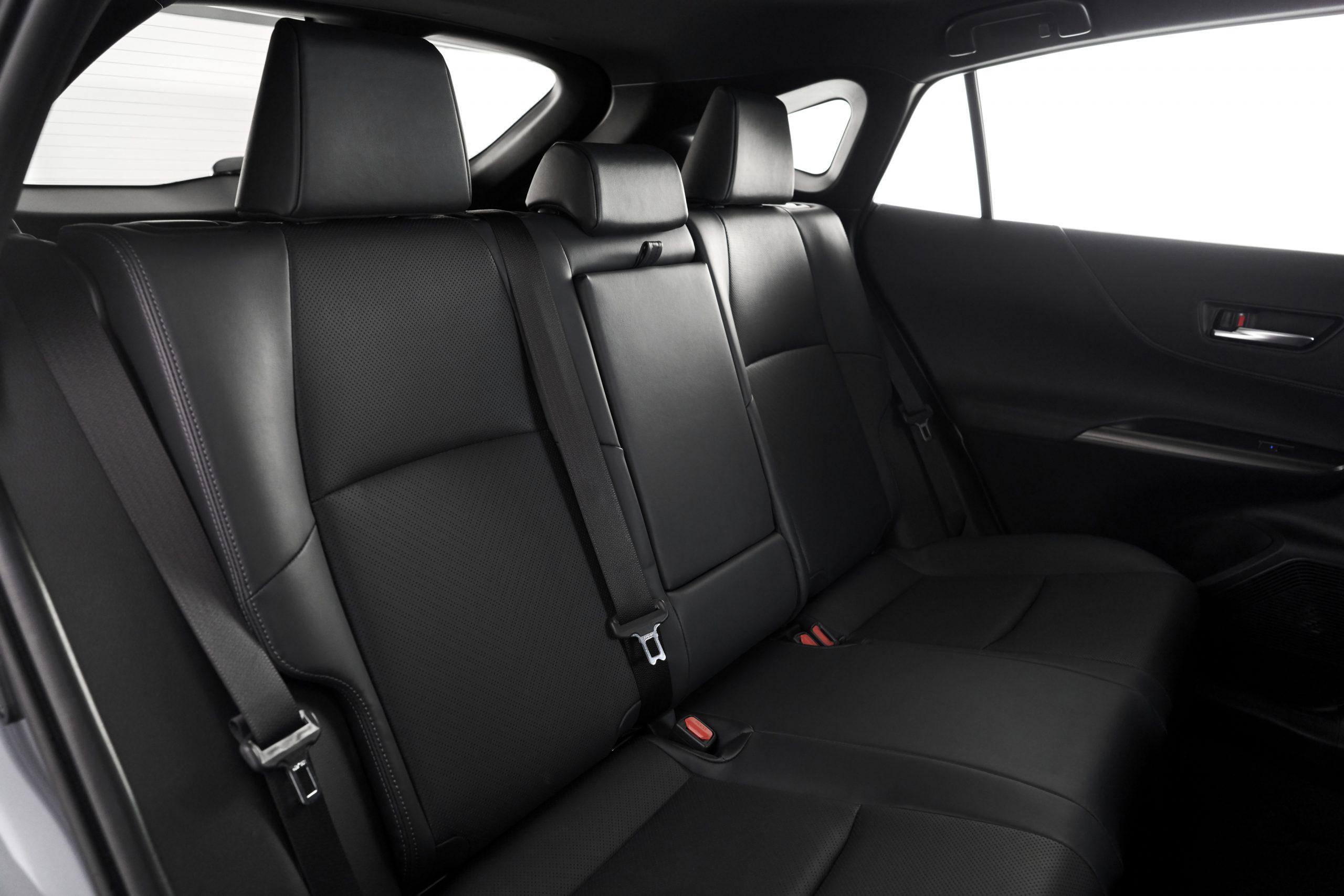 2021-Toyota-Venza_Interior_011-scaled.jpg