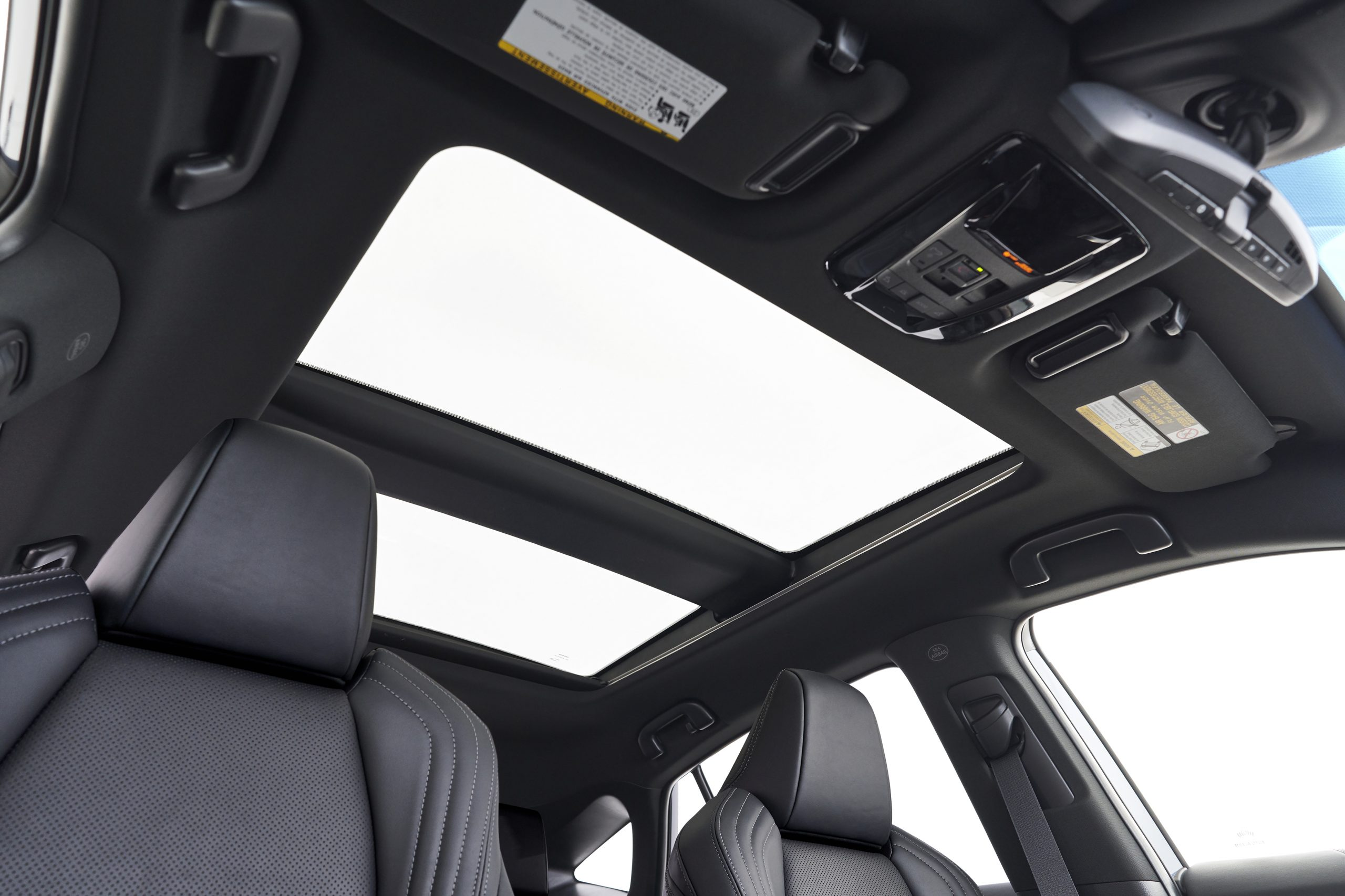 2021-Toyota-Venza_Interior_018-scaled.jpg