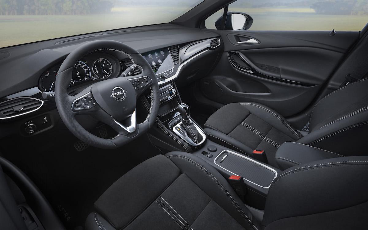 en_Opel-Astra-Interior-507811.jpg