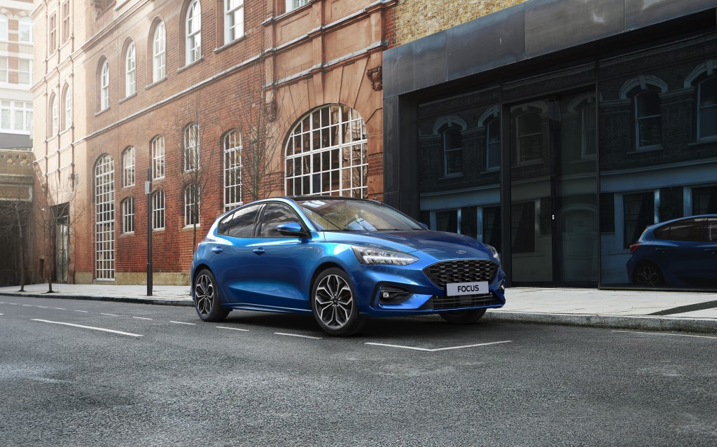 17-ford-focus-1-0-ecoboost-hybrid