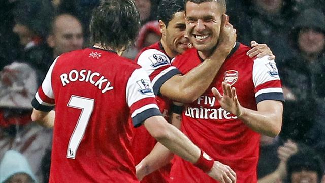 Premier League - Podolski ballert Wigan in die zweite Liga