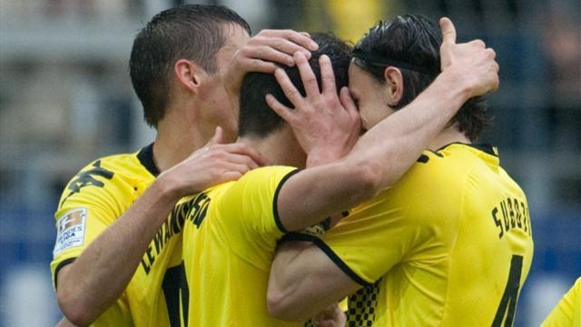 Mit der Schale in der Hand: BVB feiert Meisterschaft