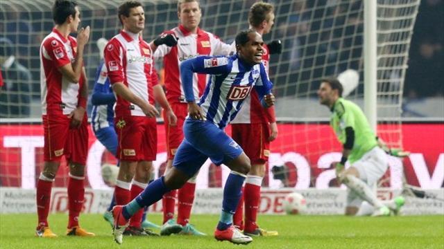 2. Bundesliga - Derby-Held Ronny rettet Hertha