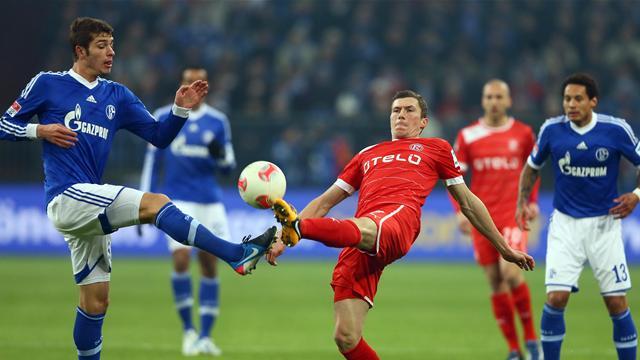 Bundesliga - Schalke kann doch noch siegen