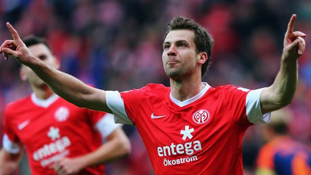 Bundesliga - Fragw�rdiger Strafsto� l�sst Mainz jubeln