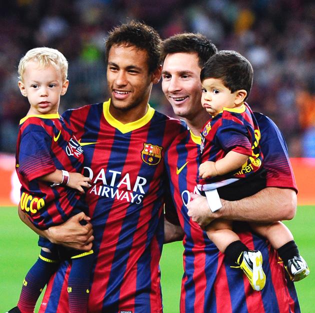 سایت ورزش 11 - لیونل مسی و نیمار و فرزندشان