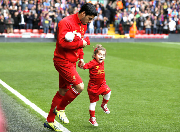 سایت ورزش 11 - لوییز سوارز و فرزندش