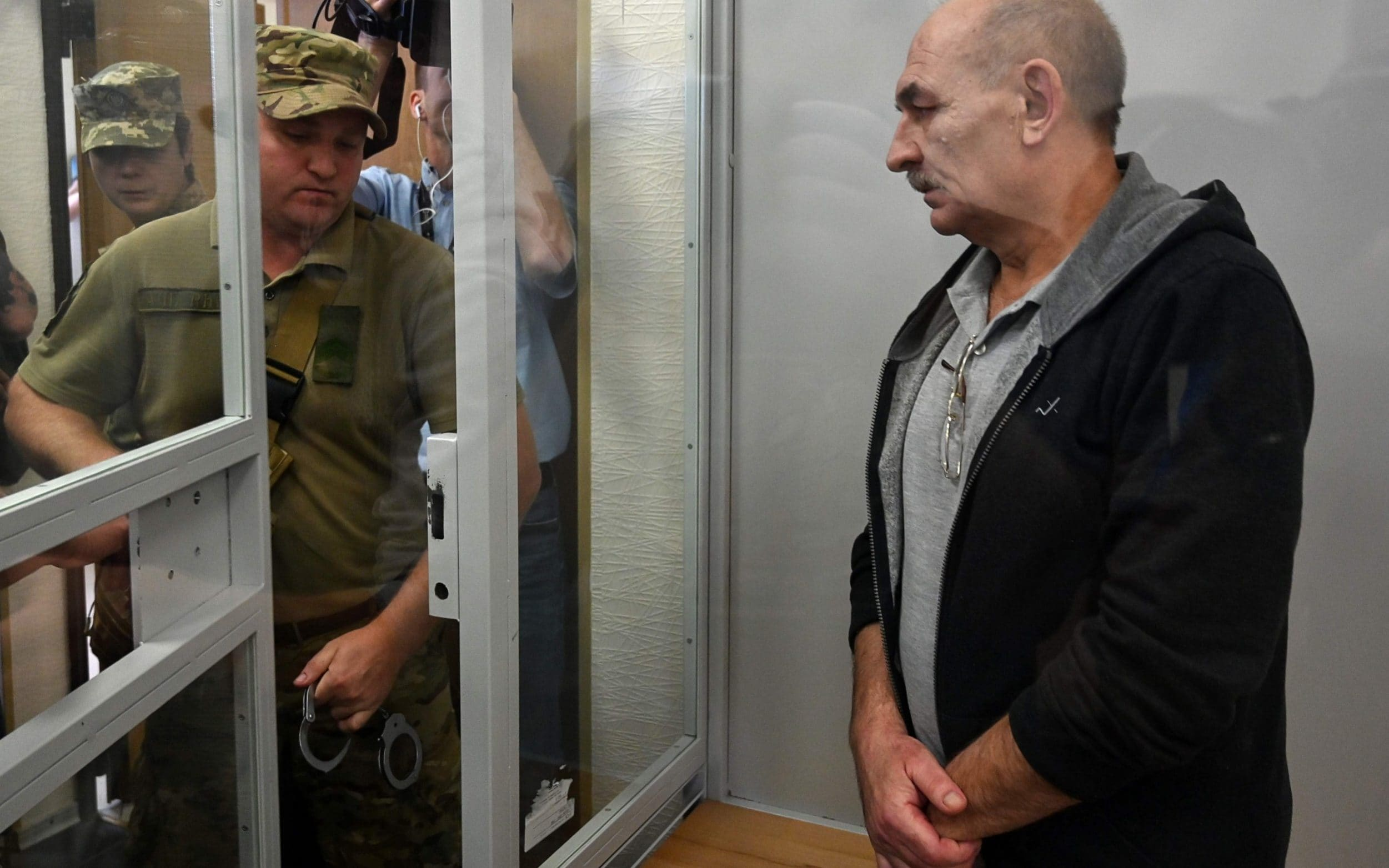 Ukraine releases key MH17 suspect ahead of expected prisoner swap with Russia