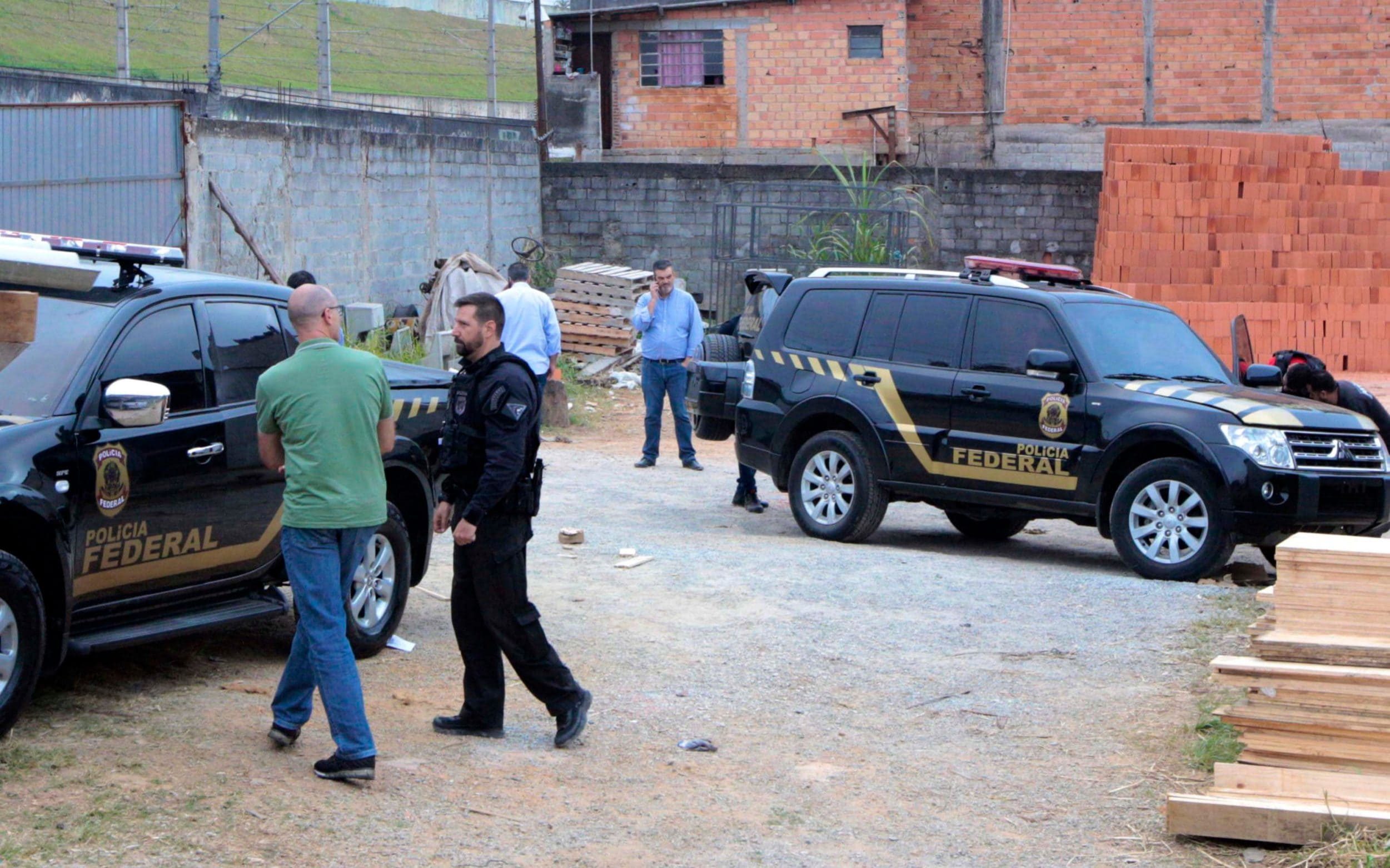 Gunmen dressed as police steal £24 million of gold destined for New York and Zurich from Sao Paulo airport