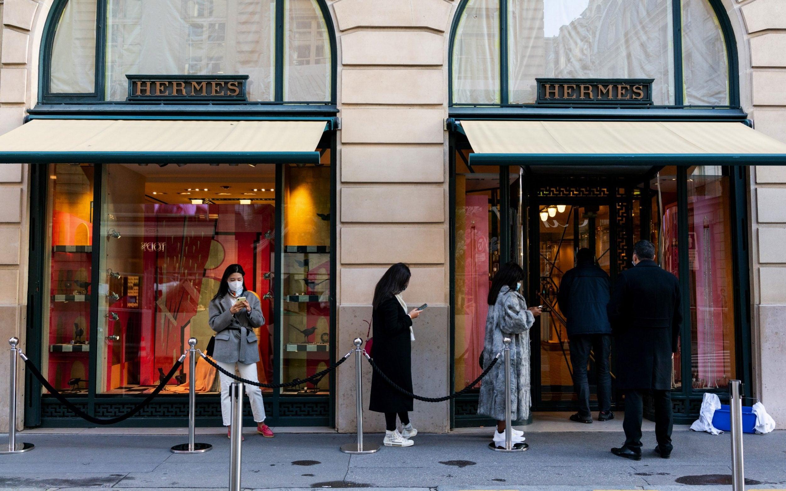 Thieves take €600,000worth of luxury goods from Paris home of Saudi princess
