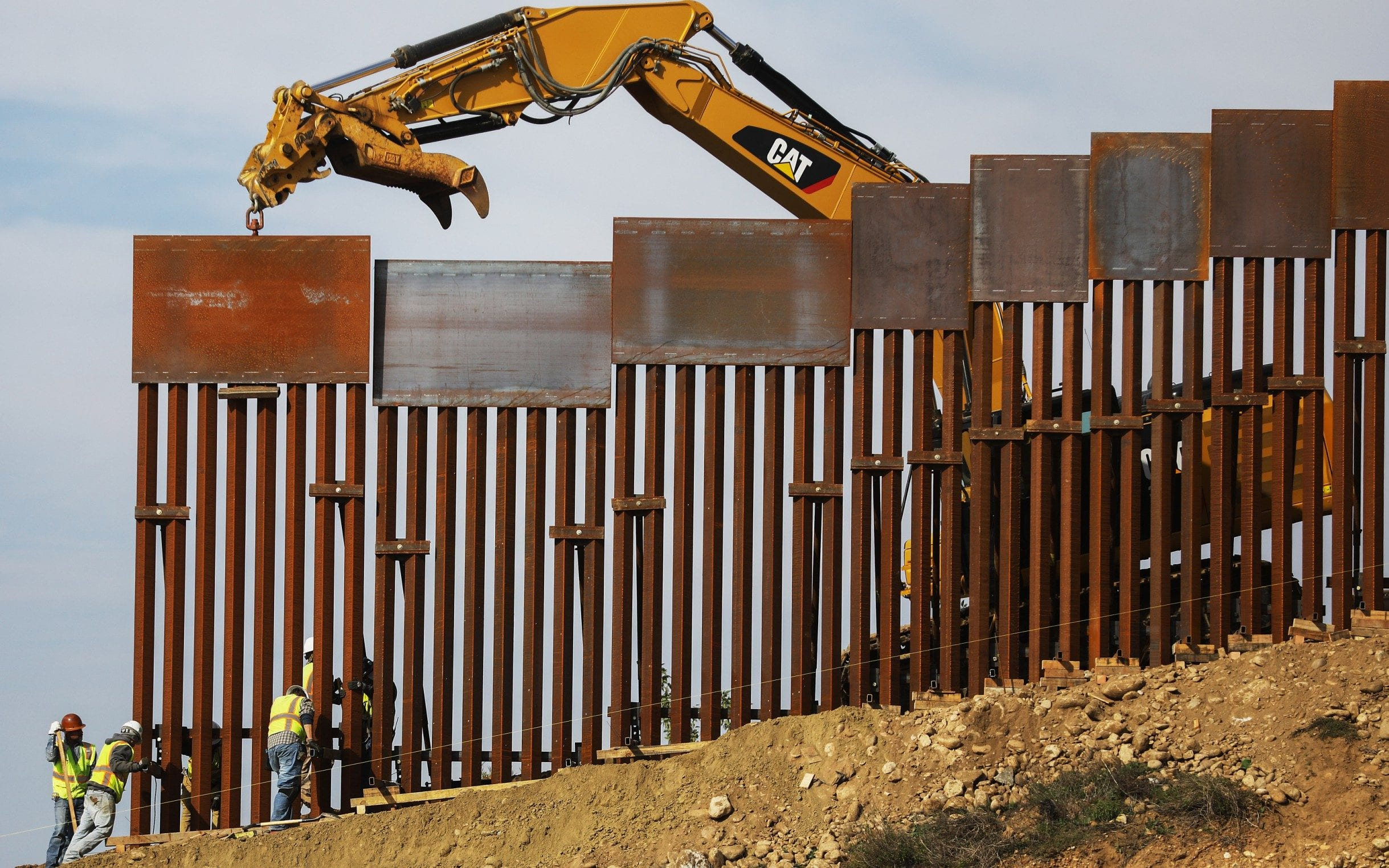 US Supreme Court allows Trump to spend military funds on US-Mexico border wall construction