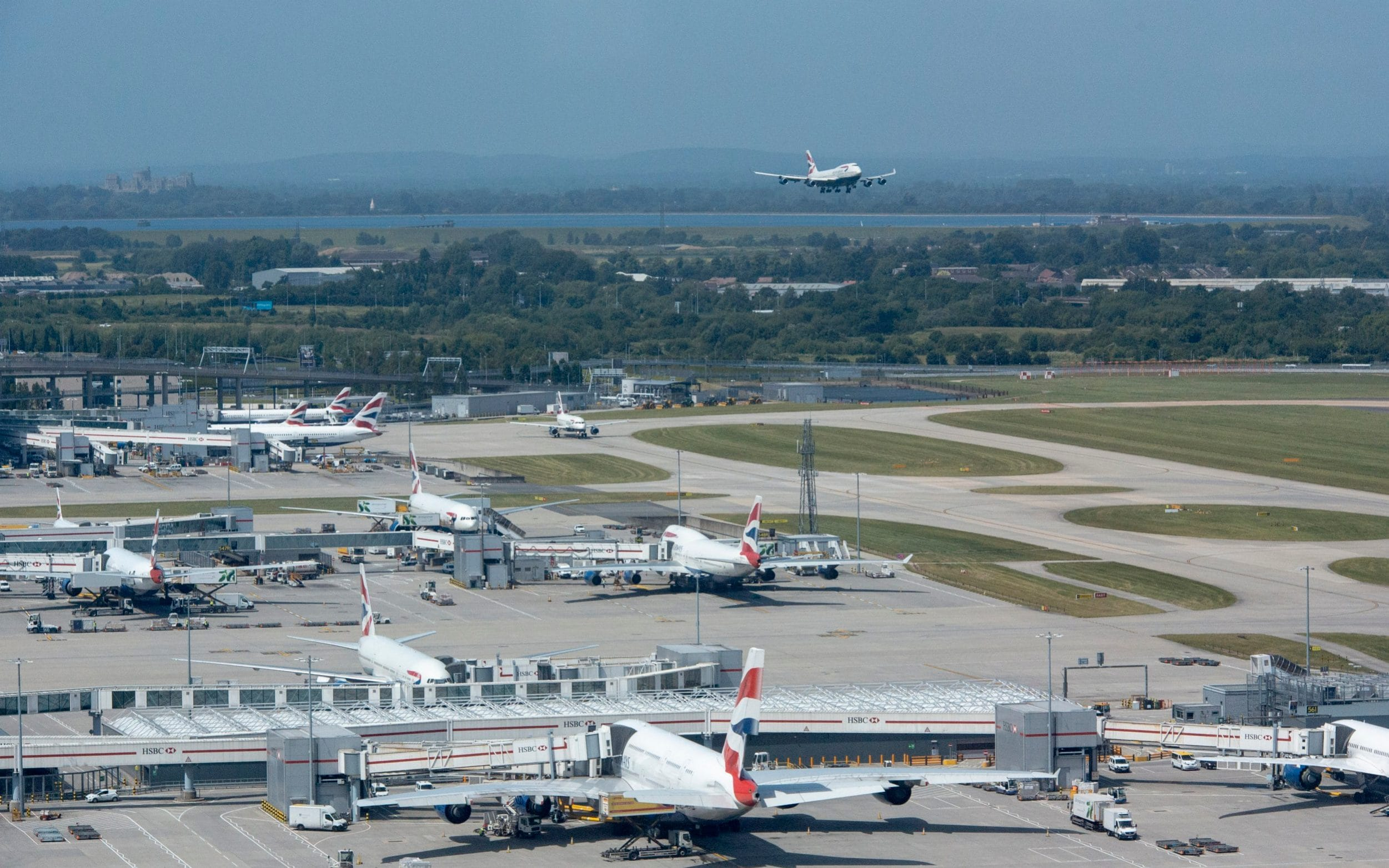 Airport strikes: More than 100 flights cancelled at Heathrow Airport ahead of first wave of walkouts