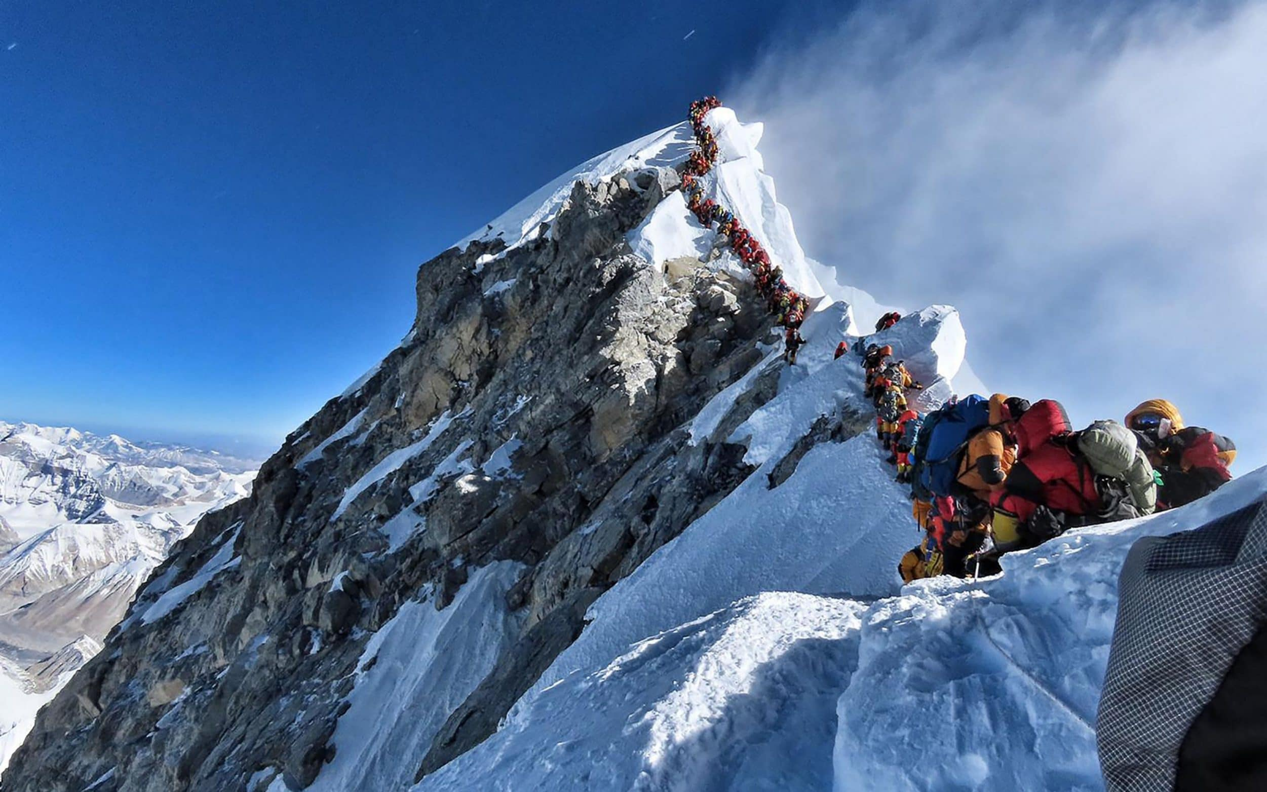Novices banned from Everest after deadliest climbing season in four years