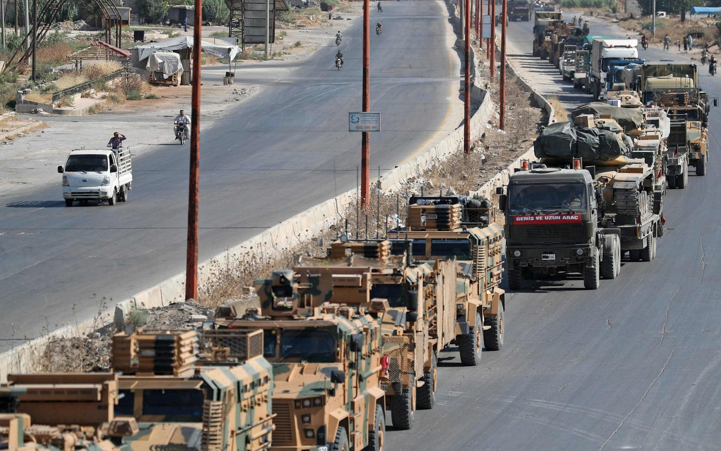 Assad regime bombs near Turkish military convoy