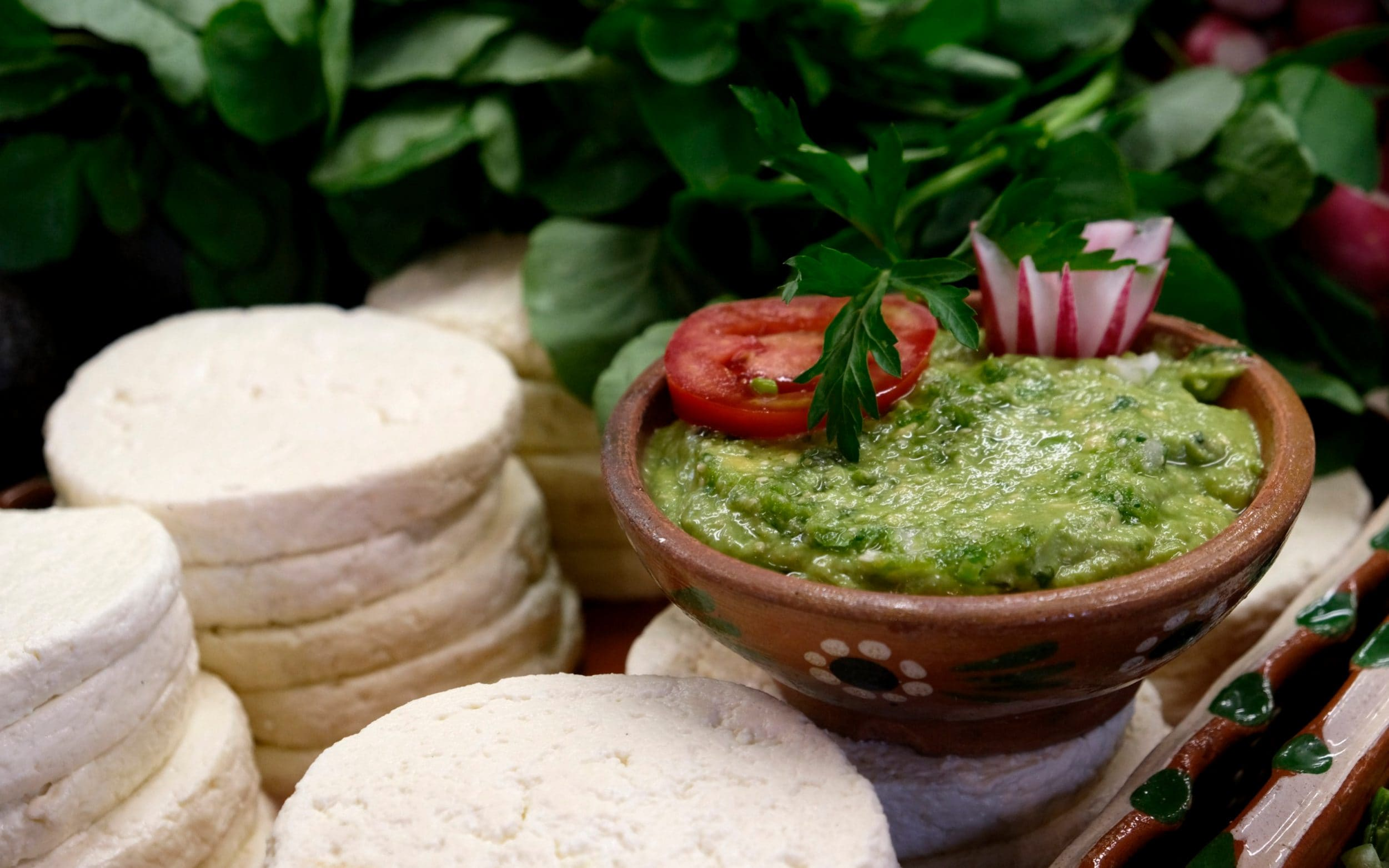 Mexico taco stalls serving fake guacamole due to US demand and cartel control of market