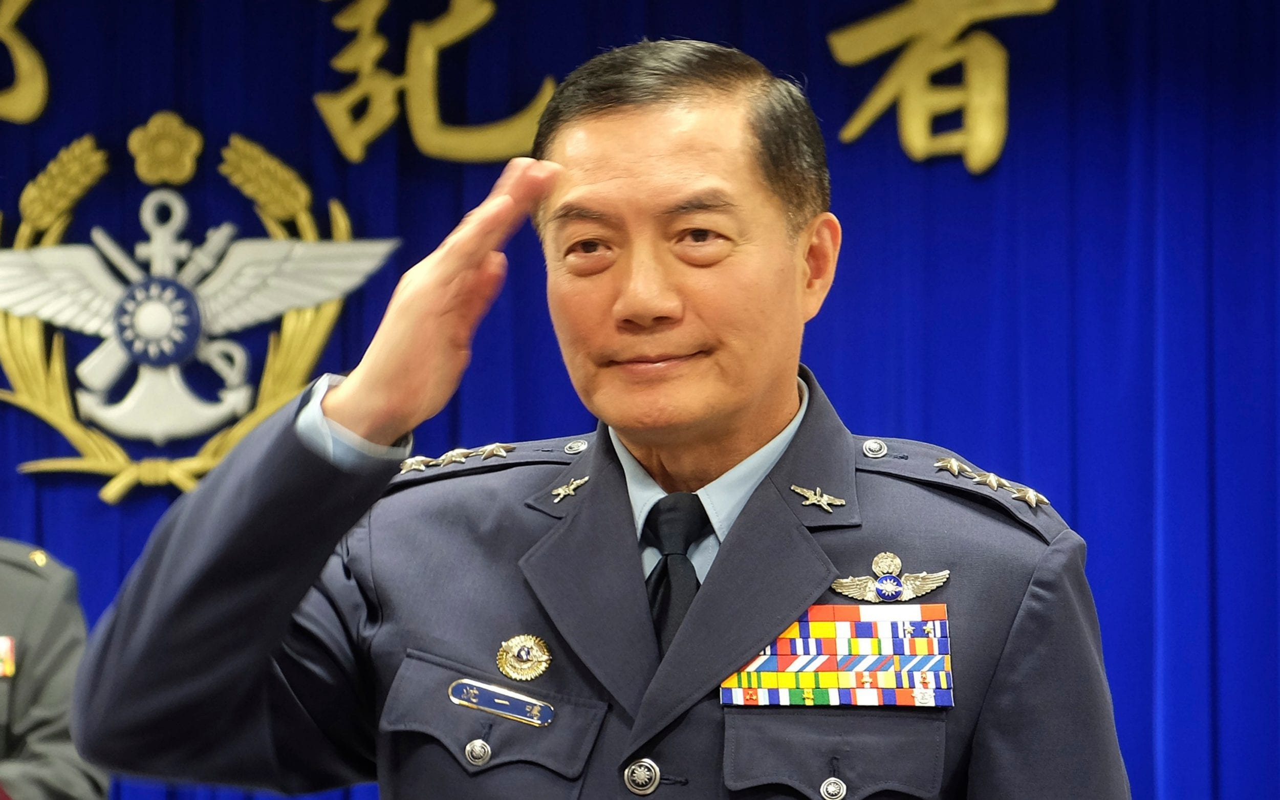 Taiwan military chief among eight dead in helicopter wreck