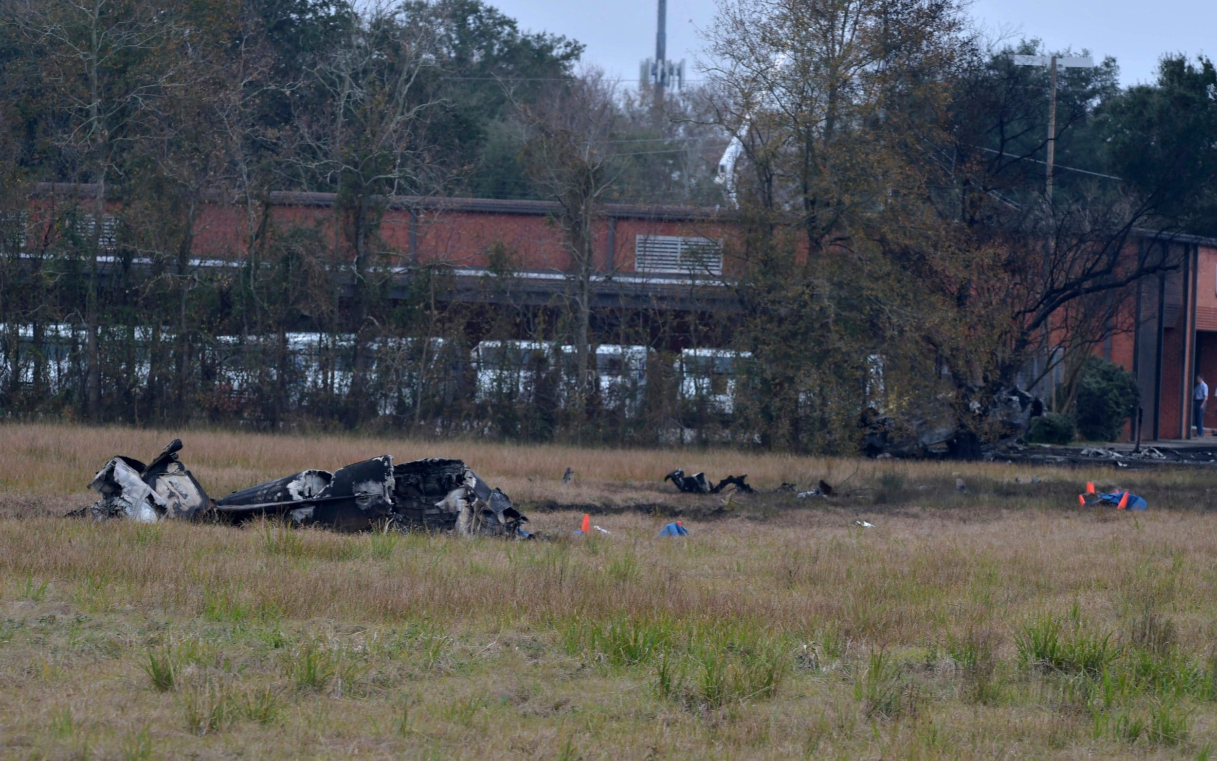 Five killed in Louisiana plane crash