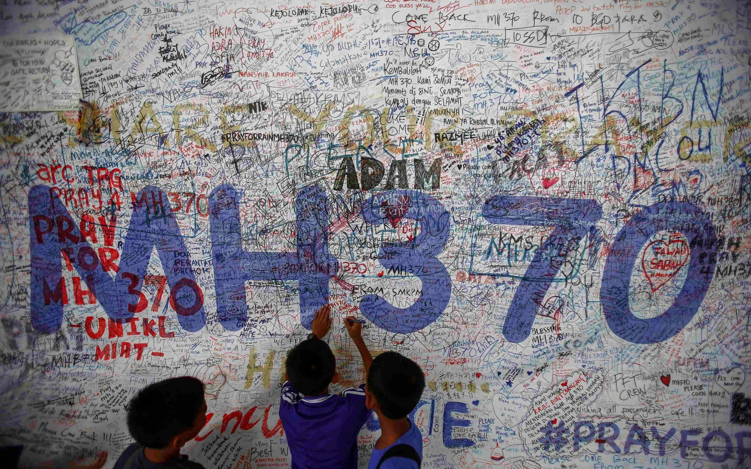 Investigators discover mysterious 200lb load on board MH370 after take-off
