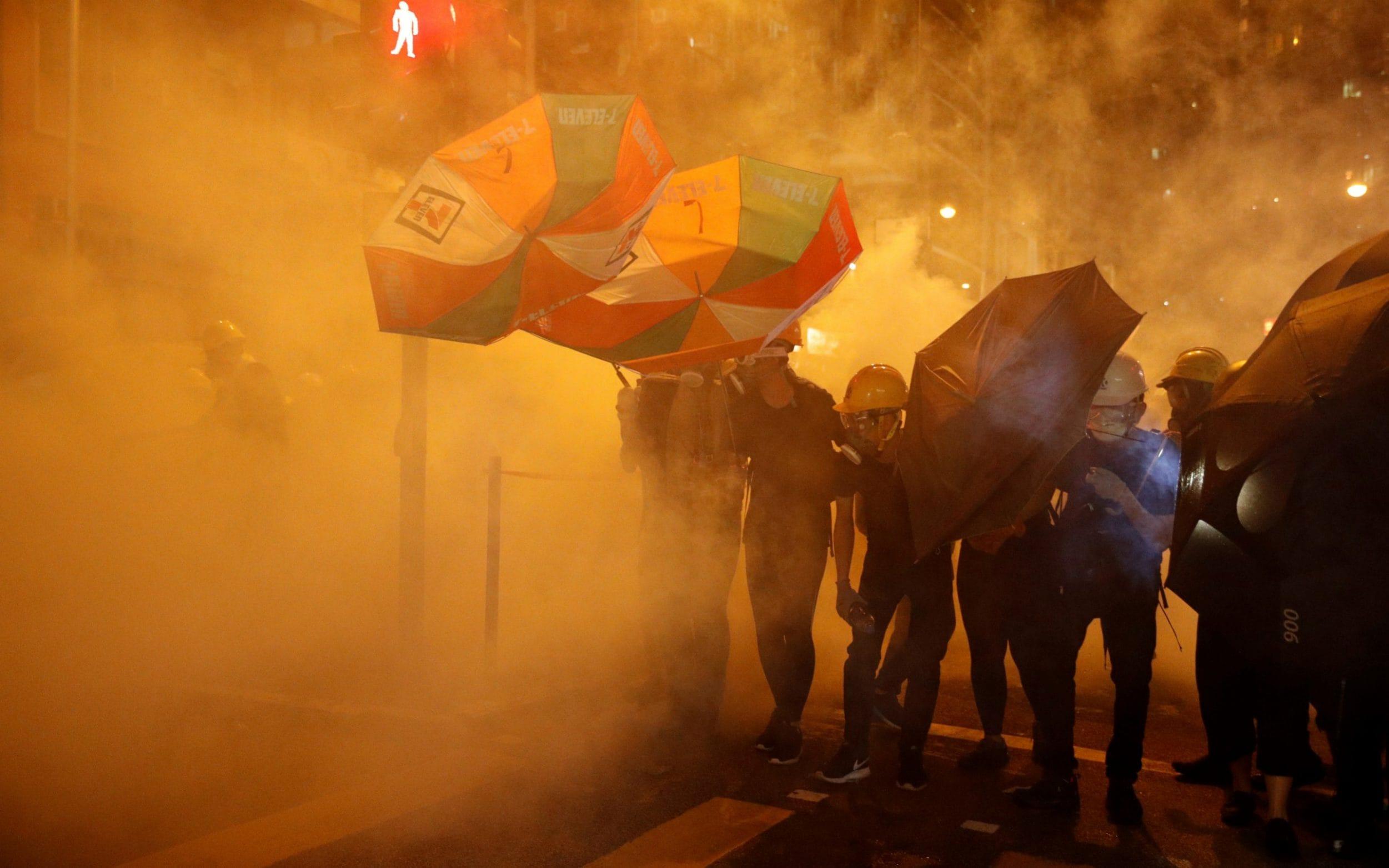 Donald Trump warns China crackdown on Hong Kong protesters will scotch trade deal