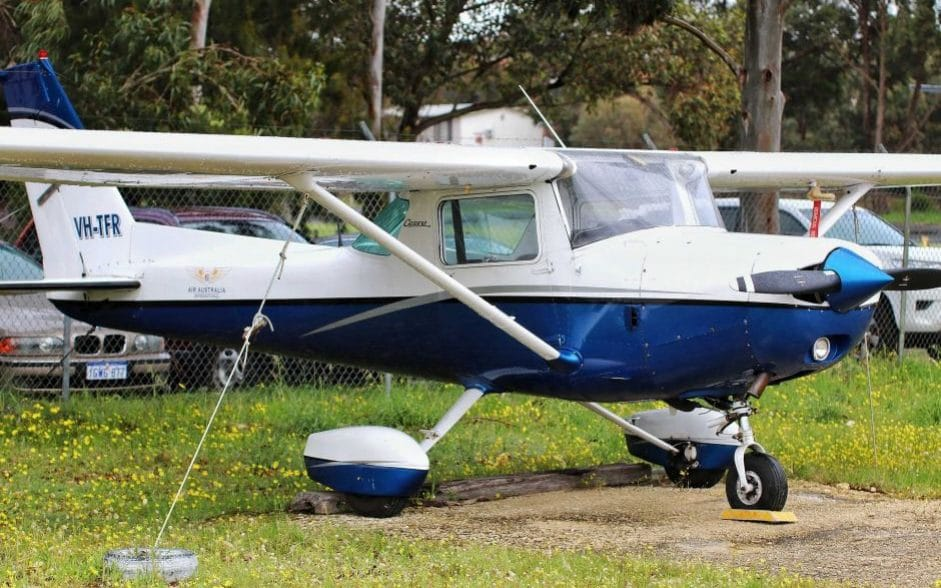 Australian man makes amazing solo landing during first flying lesson