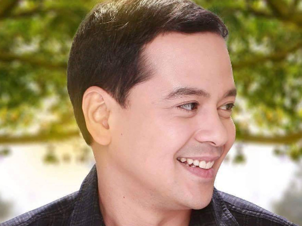 John Lloyd Cruz Continues Enjoying His Holiday