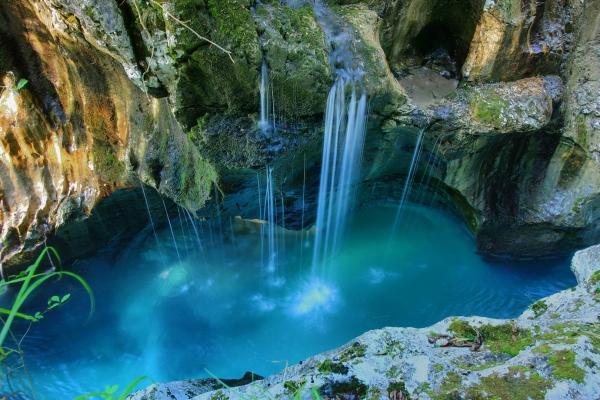 b2ap3_thumbnail_08-triglav-national-park.jpg  The Most breathtaking places on earth 7edc633b3b48841bbe12b07009b2df64