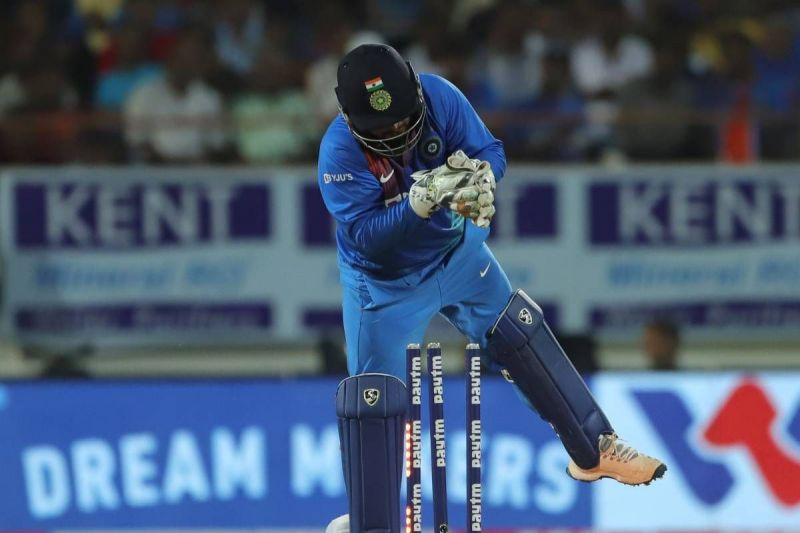 Rishabh Pant's scratchy glovework continued to trouble India in the 2nd T20I.