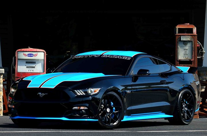 Richard Petty Mustang >> Ford Mustang Customized By Richard Petty Headed To Auction