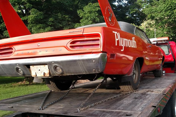 Barn Find 1970 Plymouth Superbird Shows Up on Craigslist