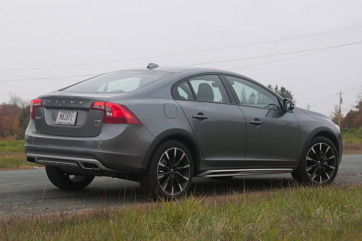 Volvo S60 Cross Country >> The Volvo S60 Cross Country Is A Gift To Car Buffs First Drive
