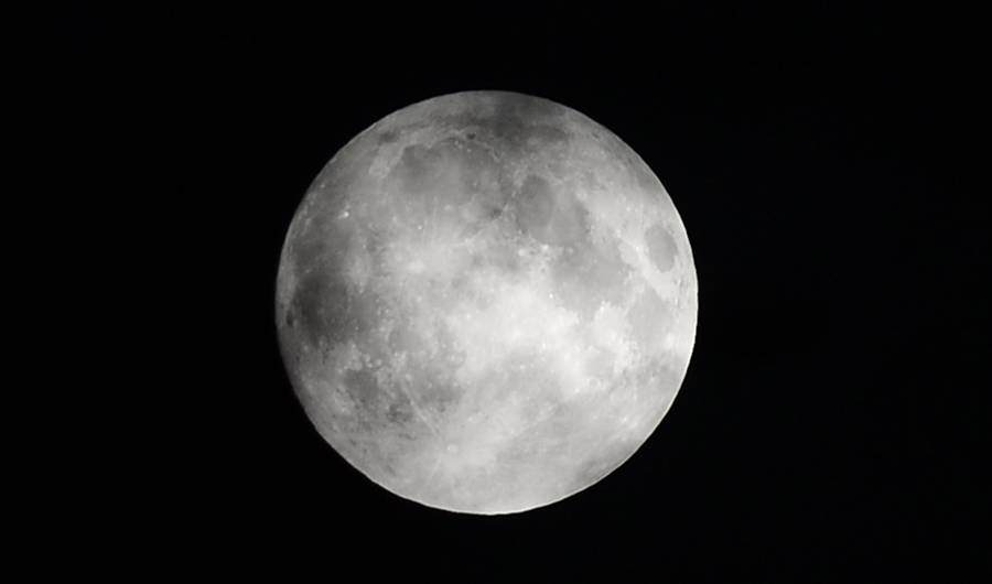 What Is A Mourning Moon? Why You Should Care About Tonights Full Moon