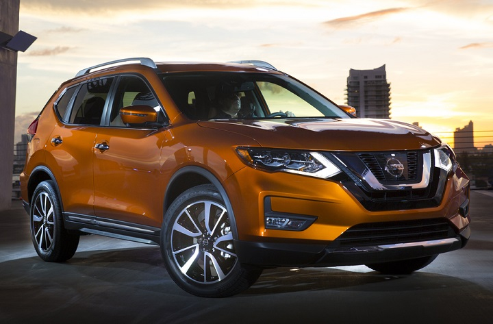 2017 Nissan Rogue Front Quarter Right Photo