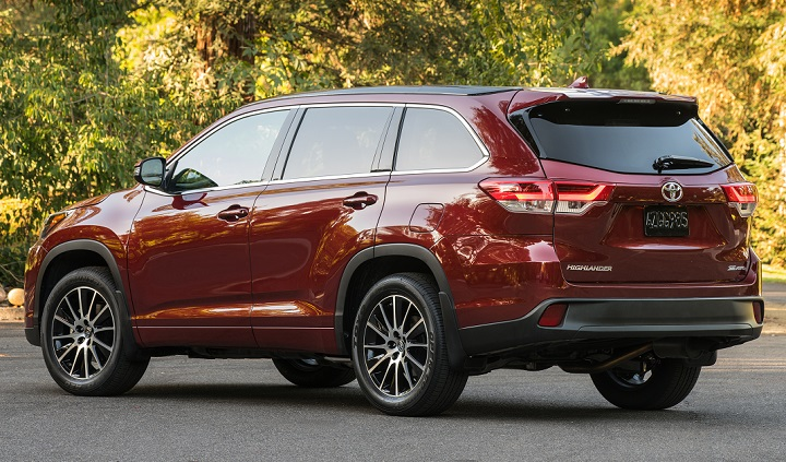 2017 Toyota Highlander Se Rear Quarter Left Photo