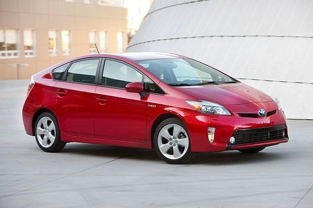 2015 Toyota Prius Plug-in Hybrid photo