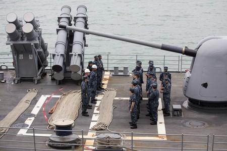 U.S. warship sails through strategic Taiwan Strait