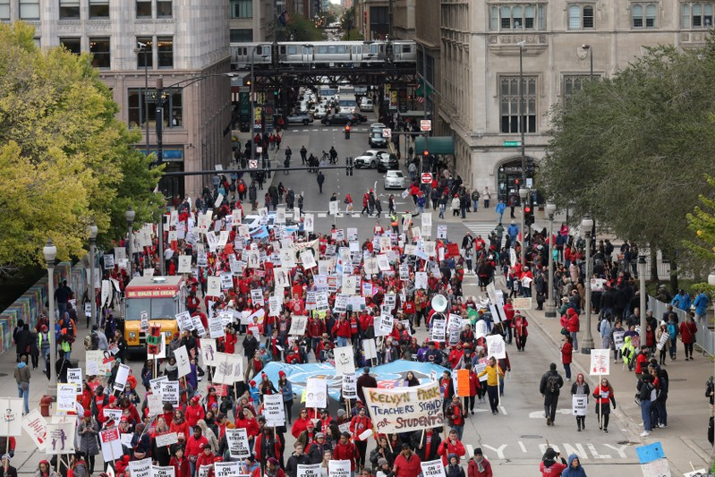 Chicago teachers union calls meeting of delegates, cautions no deal yet