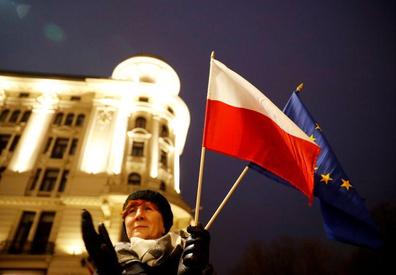 Thousands protest against Polands plan to discipline judges
