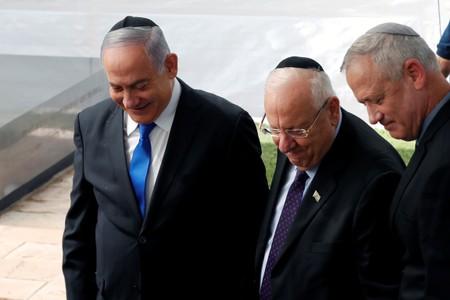 Weakened Netanyahus offer of unity government rebuffed by rival Gantz