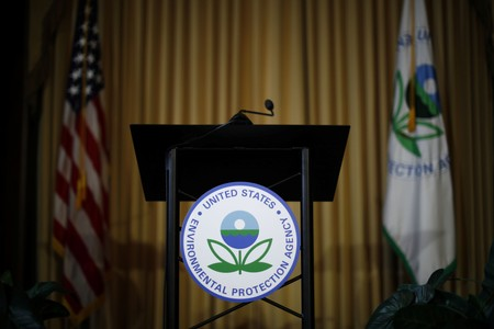 Members of disbanded EPA air quality panel form independent group