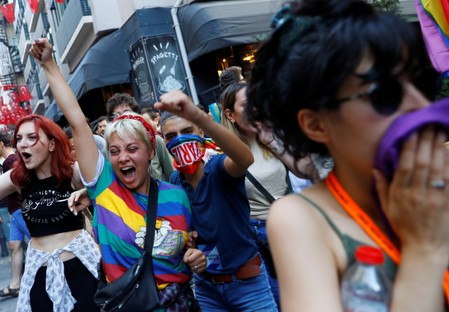 Istanbuls LGBT community holds small rally after march banned