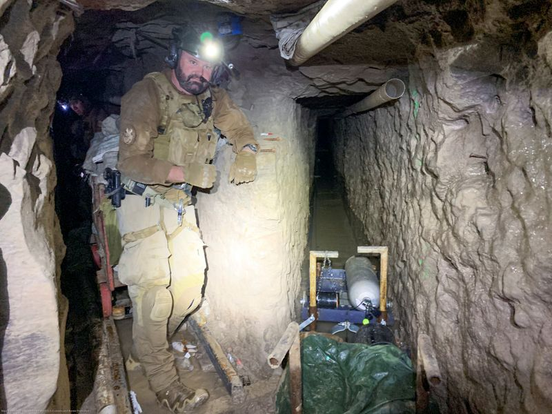 U.S. officials find sophisticated smuggling tunnel on Mexican border